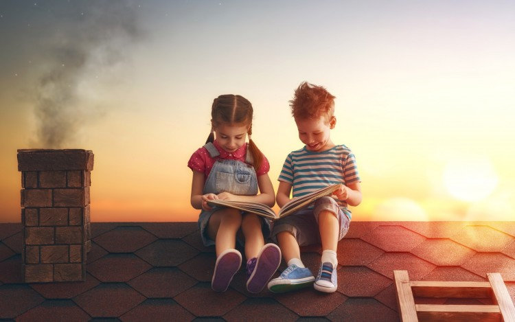 child-boy-girl-book-sunset-deti-malchik-devochka-dom-krysha